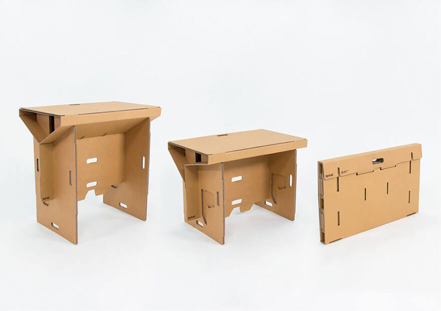 ce bureau en carton est portable recyclable et solide. Black Bedroom Furniture Sets. Home Design Ideas