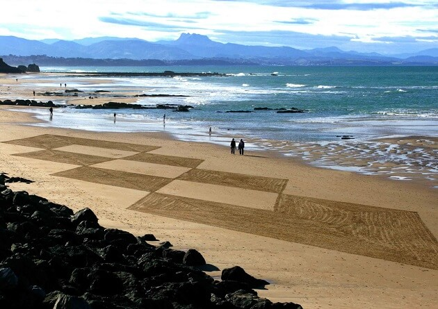 Sam Dougados, Land Art, plage