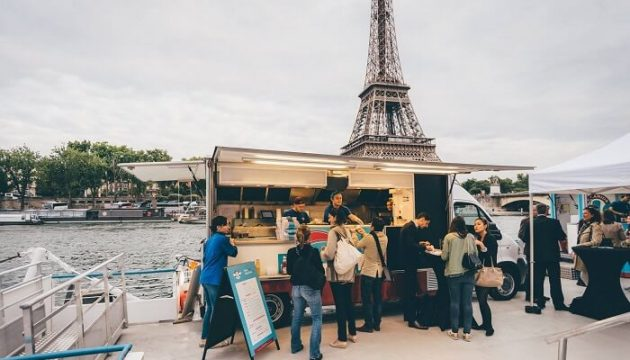 Les food trucks déferlent en France