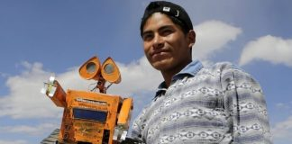 Wall-E, Bolivie, Esteban