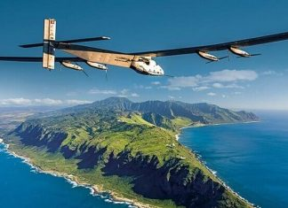 Solar Impulse 2, bloqué à Hawai
